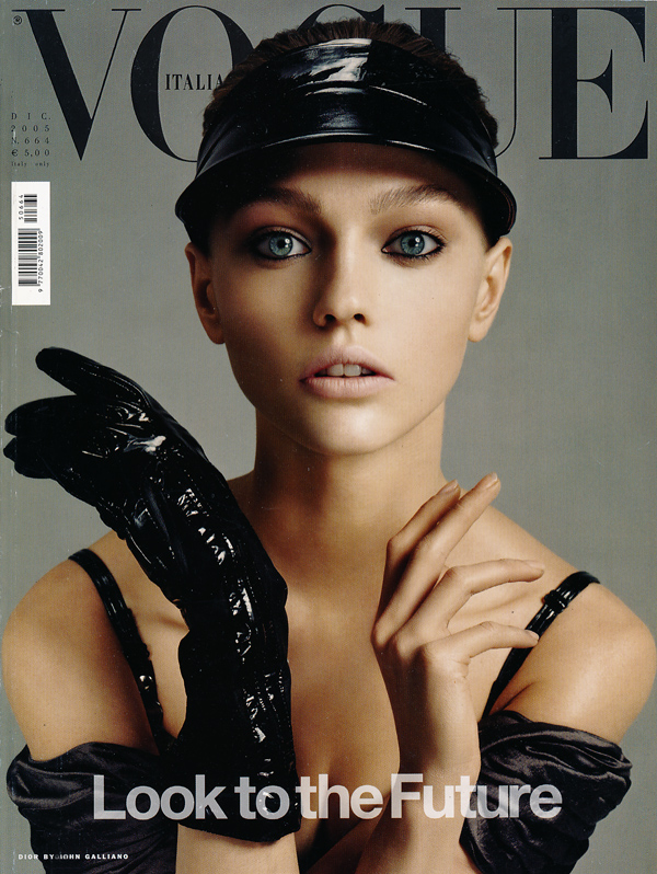 vogue_it_dec05_1.jpg